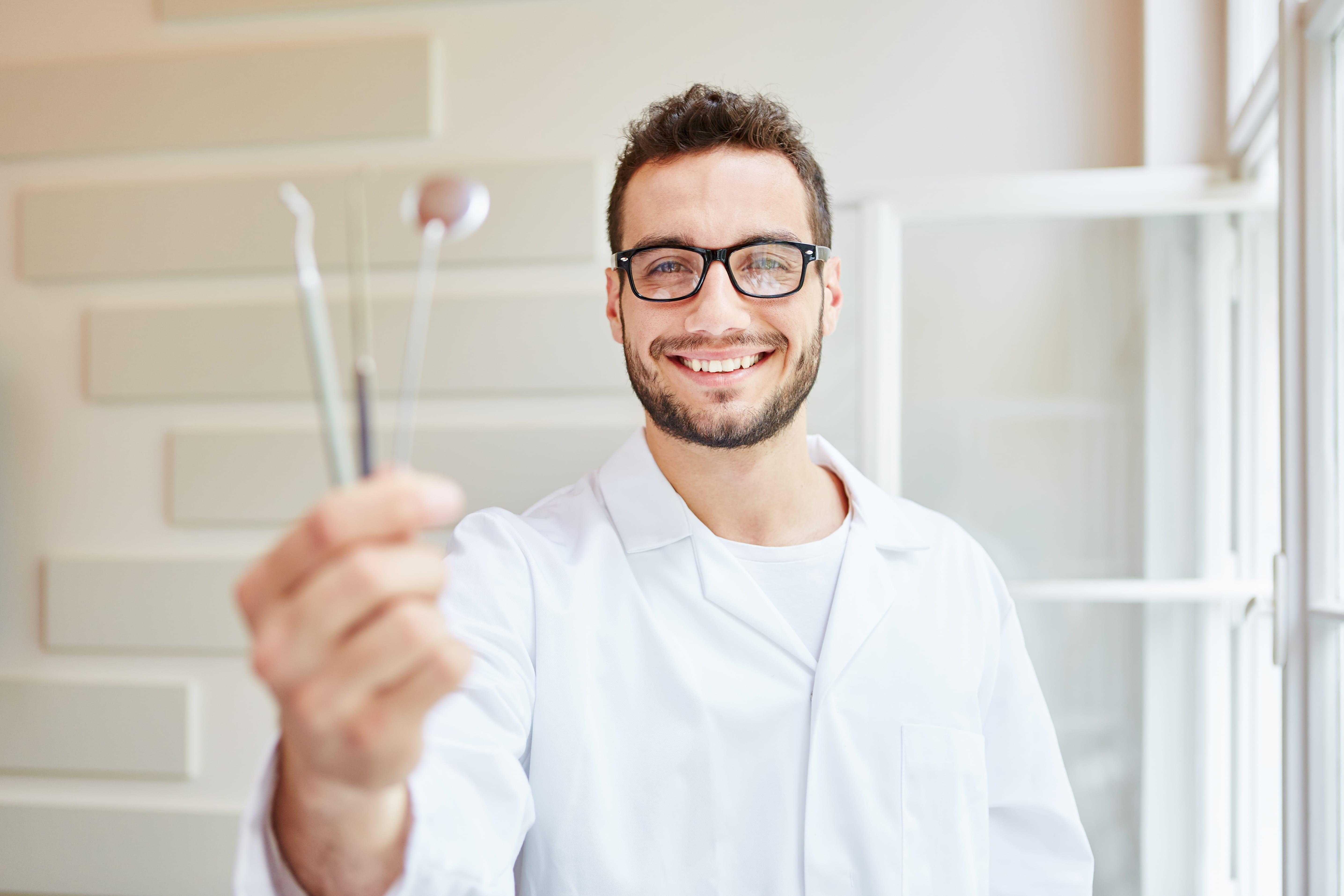Dental Bonding or Porcelain Veneers